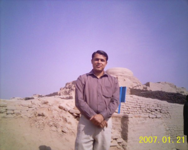 Tariq at Moen-Jo-Daro, Larkana